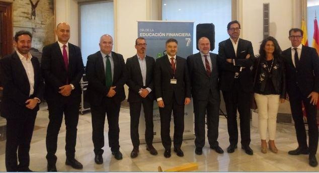 La alfabetización financiera digital se convierte en una de las prioridades del Plan de Educación Financiera del Banco de España y la CNMV