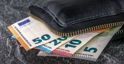 Cuatro de cada diez empresas españolas afirman que España será un país sin efectivo en 2030