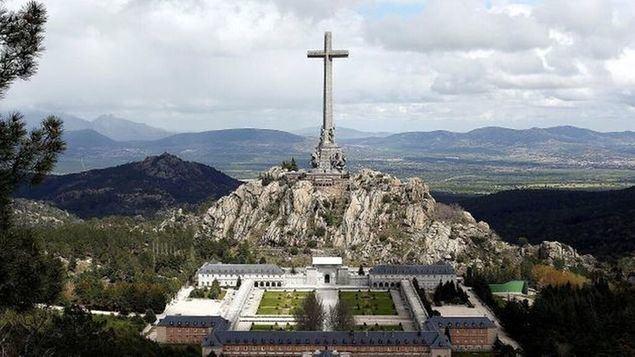 Entregarán una carta al Nuncio en disconformidad de la actitud de la Iglesia por la profanación de la tumba de Franco