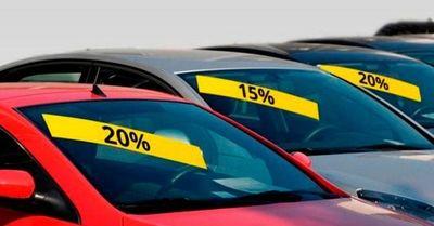"""Los concesionarios acumulan 100.000 vehículos de """"Kilómetro 0"""""""