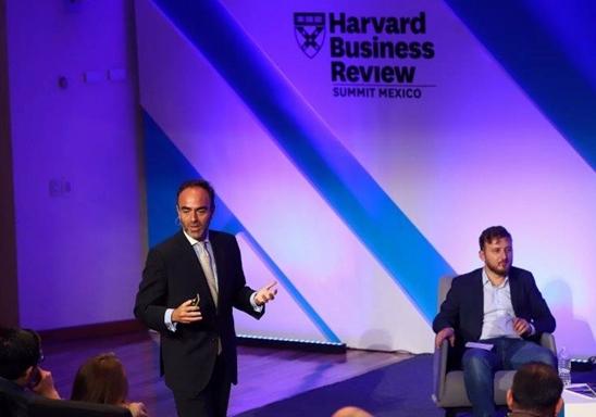 Antonio Núñez durante un momento de su presentación.