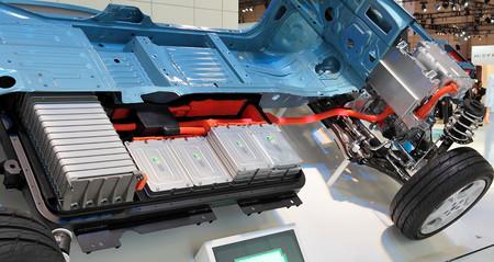 Industria busca zonas interesadas en albergar una fábrica de baterías para coches eléctricos