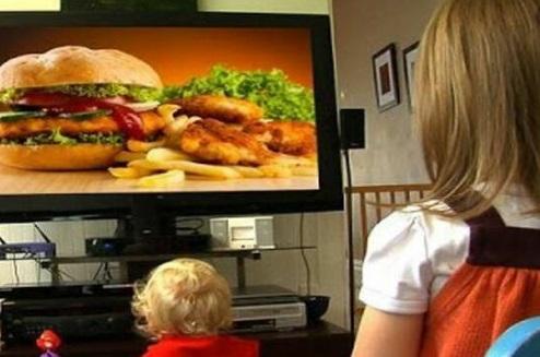 Los anuncios alimenticios más vistos por los menores de cuatro a doce años son de productos de escaso valor nutritivo