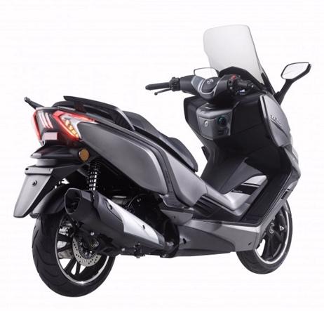 Nuevo scooter GT XQ2 300 de Daelim, una buena opción de movilidad urbana y algo más