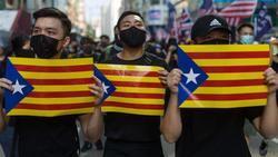 Las esteladas independentistas aparecieron también durante los caóticos disturbios que se han producido en Hong Kong a lo largo de varias semanas.