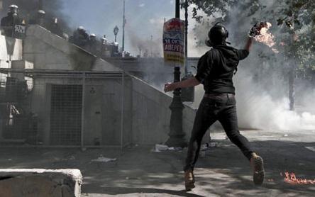 Tres de cada cinco españoles creen que en 2020 habrá manifestaciones y disturbios a gran escala en nuestro país para protestar contra la gestión del Gobierno