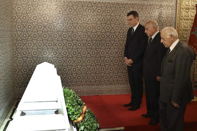 Pedro Sánchez enalteció a los reyezuelos déspotas de Marruecos Mohamed V y Hassan II en su mausoleo.