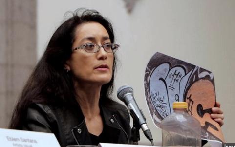 La crítica en arte Avelina Lépster.