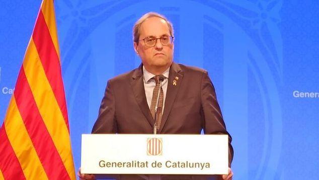Torra pasa por ser el paradigma del político irresponsable, tanto en los momentos en que las cosas van bien, como en los momentos de crisis. Amplios sectores de Cataluña piden ya su dimisión por ineficacia y personalismo egoísta y poco solidario.
