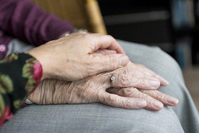 La soledad, el peor de los males que acecha a nuestros mayores