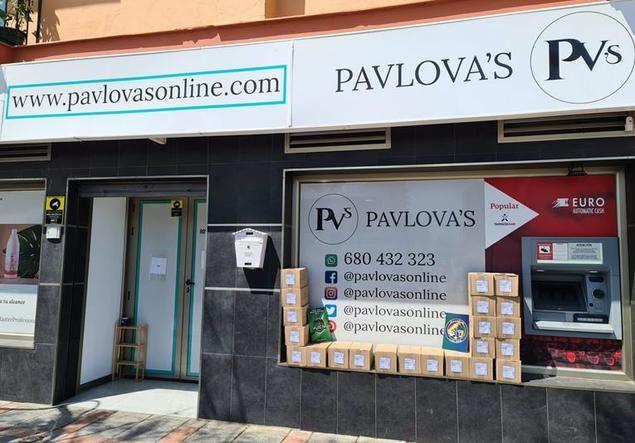 Pavlova's dona 5.472 geles hidroalcohólicos Medi Skin a personal de primera línea en la Costa del Sol