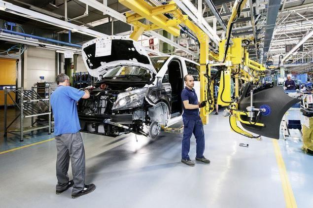 """Las organizaciones del sector del automóvil presentan al gobierno de España su """"plan de choque"""""""