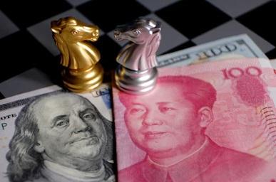 El dólar recupera posiciones con el repunte de las tensiones entre EE.UU. y China