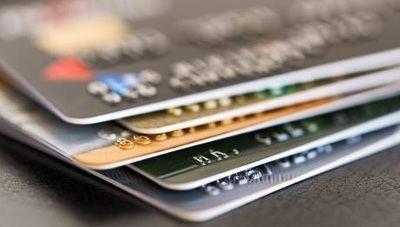 La factura de los microcréditos y tarjetas revolving: pagar el doble y hasta 15 años para saldar la deuda