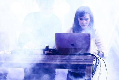 Berklee celebra la primera edición de INO CON, una conferencia virtual que combina música y tecnología