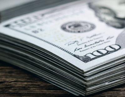 Otra ola de apuestas por el riesgo debilita al dólar en el cierre del primer semestre