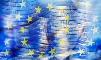 Después del colapso, la economía de la eurozona comienza a recuperarse lentamente