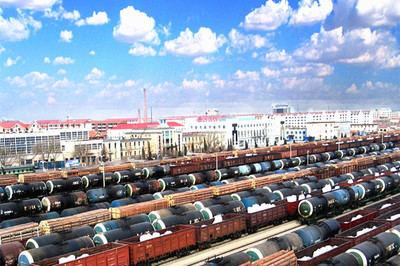 Crece el tránsito de carga China-Europa a través del puerto fronterizo con Mongolia
