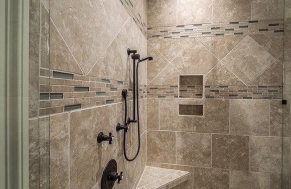 ¿Qué elementos modernos no pueden faltar en tu cuarto de baño?