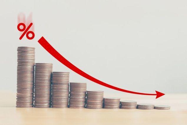 La FED anuncia que habrá una baja en las tasas de interés