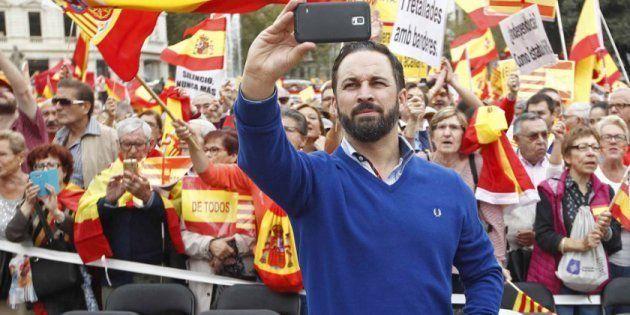 VOX ha cambiado el paso del centro derecha español, pero también los compases de una izquierda muy desunida y poco patriota.