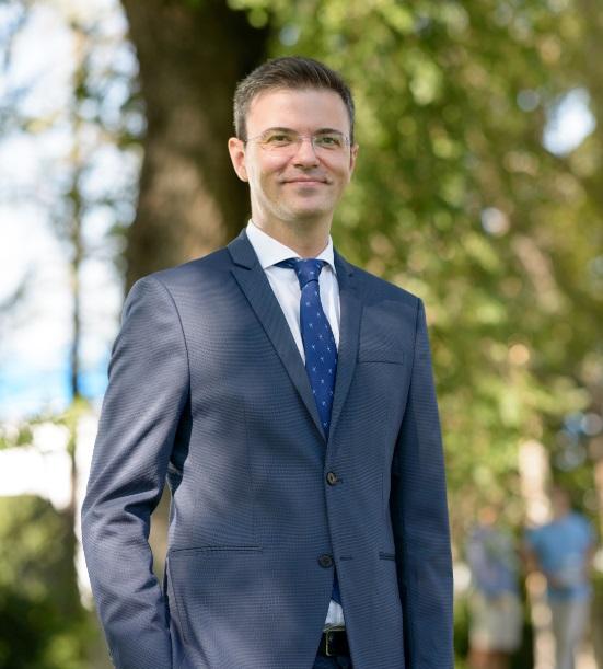 José Ramón Cobo es el primer profesor español en alcanzar un puesto global en la escuela de negocios panaeuropea