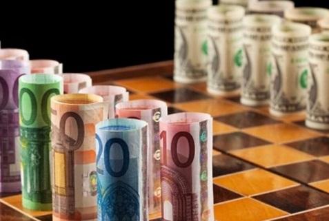 El euro logró revertir su tendencia frente al dólar