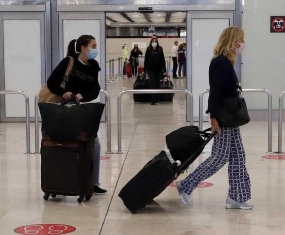 Los españoles han viajado un 46% menos en un verano marcado por prohibiciones de viaje en todo el mundo