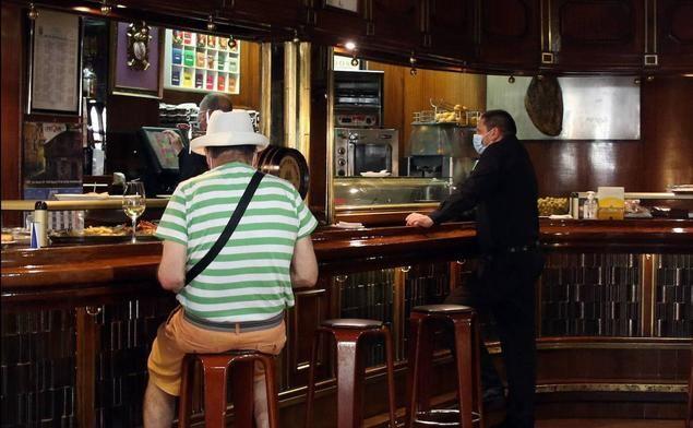 La incertidumbre de bares y comercios