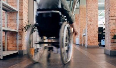 La importancia de adaptar las infraestructuras para personas con discapacidad