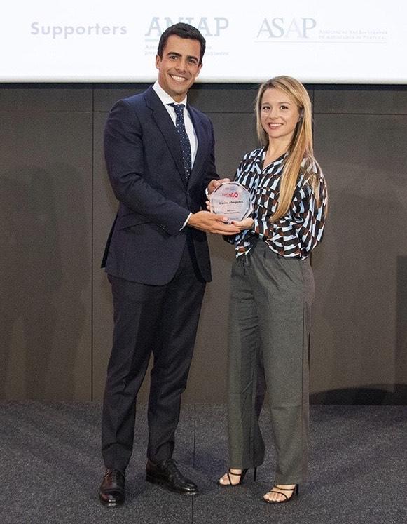 Juan Gonzalo Ospina y Beatriz Uriarte de Ospina Abogados premiados en derecho penal.