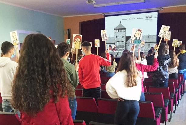 Alumnado en Vizcaya (País Vasco) en el centro Karmengo Ama Ikastetxea de Amorebieta-Etxano.