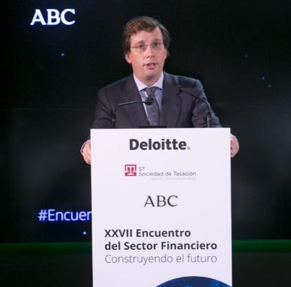 Almeida apunta a los presupuestos municipales de 2021 y a los fondos europeos como elementos determinantes para salir de la crisis