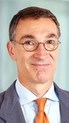 Olaf Tölke es responsable de calificaciones corporativas de Scope Ratings y principal analista del sector sanitario.