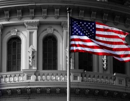 El dólar se debilita ante las señales expansivas de la FED mientras Trump se enfrenta a segundo impeachment