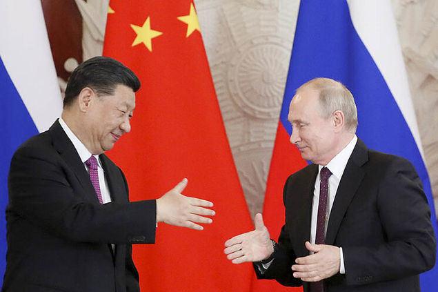 Rusia y China, intentando evitar las injerencias de EEUU y la UE