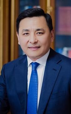 El Alcalde de Nur-Sultán, Altay Kulginov.