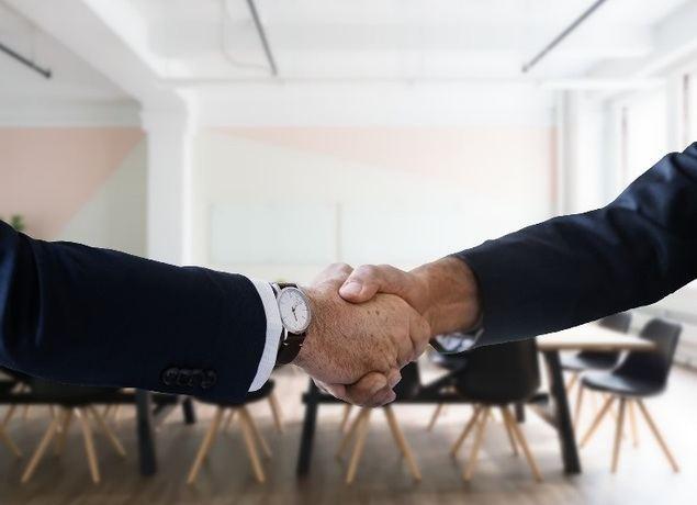 Cómo cerrar ventas con grandes empresas