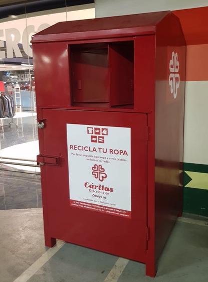 El Corte Inglés recoge 240.000 kg de ropa usada para entregar a Cáritas y darle un nuevo uso
