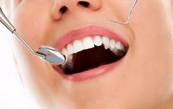 Clínica Dental Urbina recibe el premio Invisalign Titanium Provider