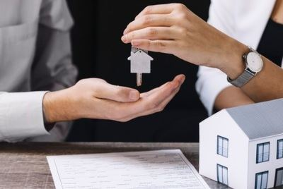 La migración de la demanda inmobiliaria urbana provoca caídas de precio del 10%