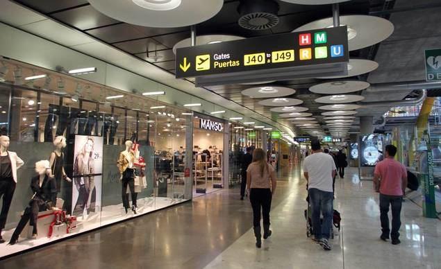 Las tiendas de aeropuertos podrían rebajar a la mitad el coste de sus concesiones durante la pandemia