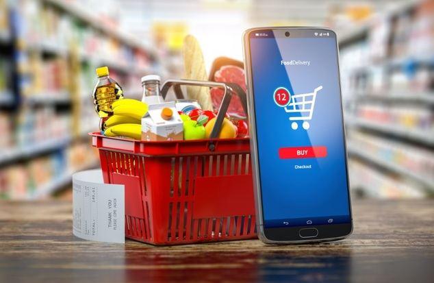 Las tiendas de alimentación, entre los diez sectores con mayores ingresos del ecommerce en España