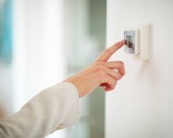 El 73% de los españoles se preocupa de la eficiencia energética en el hogar