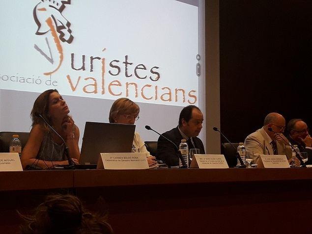 La sociedad valenciana reivindica su derecho civil propio en Madrid