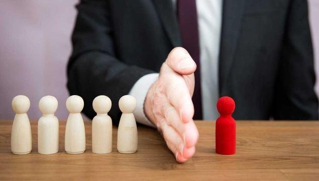 Michael Page y la Fundación Endesa firman un acuerdo para promover la empleabilidad entre los mayores de 50 años