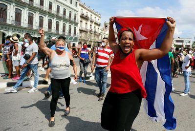 Cuba ha confirmado un muerto en el transcurso de  protestas antigubernamentales.