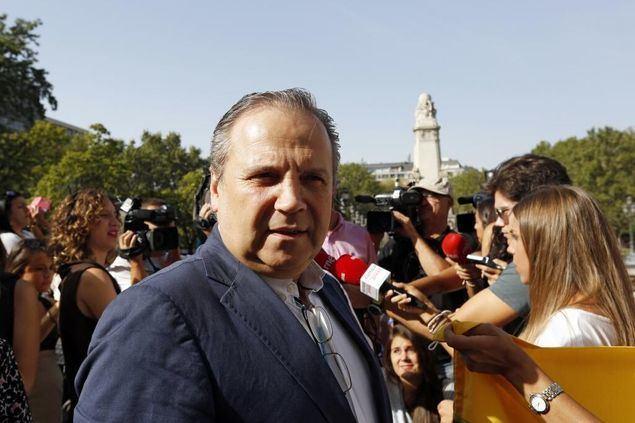 El líder del socialismo madrileño Antonio Miguel Carmona, ya avisó que 'si echan a Leguina y a Redondo se irán del PSOE 20.000 militantes y un millón de votantes'.