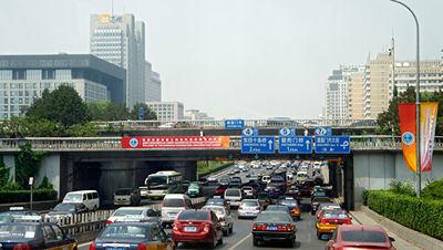 China alcanza el registro récord de 9,66 millones de vehículos de motor