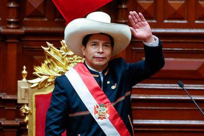 Castillo completa su gabinete ministerial con el nombramiento de dos nuevos ministros en Perú
